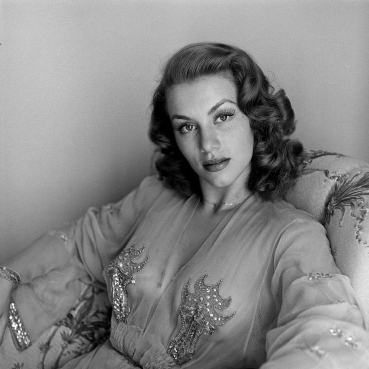 Portraits of The First Bond Girl, Linda Christian in 1945.   Linda Christian was a Mexican-born, United States-based film actress, who appeared in Mexican and Hollywood films. Her career reached its peak in the 1940s and 1950s. She played Mara in the last Johnny Weissmuller Tarzan film, Tarzan and The Mermaids (1948). She is also noted for being the first Bond girl, appearing in a 1954 television adaptation of the James Bond novel Casino Royale.