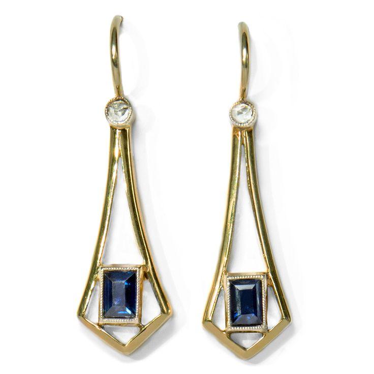 Verführerische Formen - Elegante Saphir- & Diamant-Ohrringe in Gold des Jugendstil, um 1910 von Hofer Antikschmuck aus Berlin // #hoferantikschmuck #antik #schmuck #Ohrringe #antique #jewellery #jewelry // www.hofer-antikschmuck.de