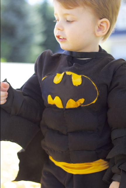 do it yourself divas: DIY: Batman Costume