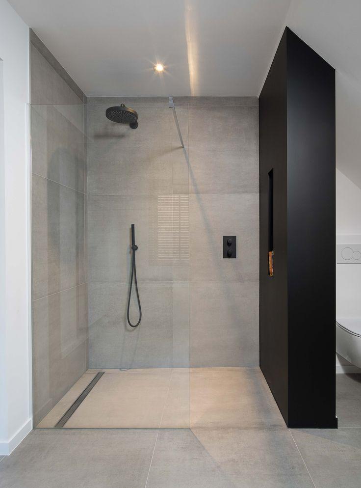 Badezimmer große Fliesen | Dunkle küchenschränke, Badezimmer ...