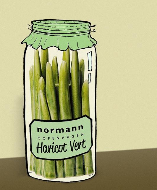 Be creative and win by Normann Copenhagen, via Flickr  Grass vase in versione insolita!