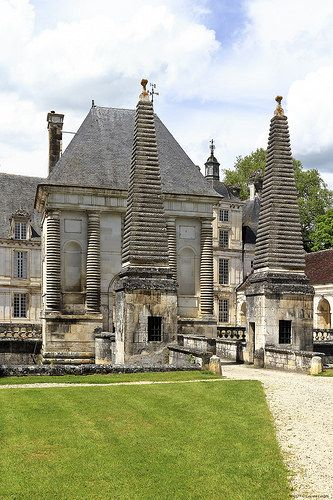 Château de Tanlay, Tanlay, Burgundy, France. Built in the 16th and 17th centuries, on 13th-century foundations.