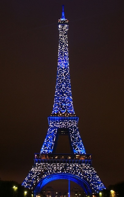 Eiffel Tower Lit Up At Night Paris Pinterest Night