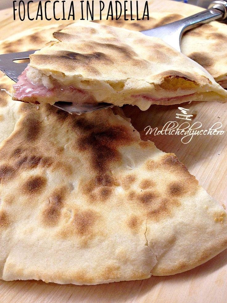 #Focaccia in #padella #salame e #formaggio - Molliche di zucchero