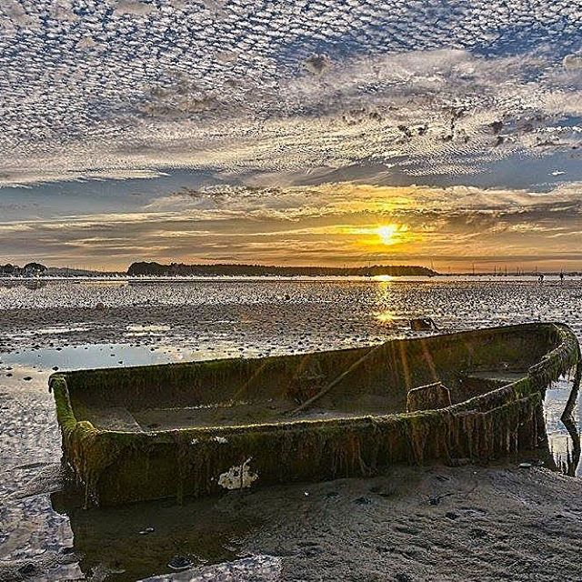 Stunning clouds and sunset at Poole Harbour by Paul Dimarco #bbcweather #weatherpictures #autumn #instaautumn #picoftheday #alexisgreen #southtoday #bbcsouthtoday #bbcnews You can send your weather pictures to us via southweather@bbc.co.uk and view the full gallery at www.facebook.com/BBCSouthToday #poole #harbour #clouds #sunset #instasunset