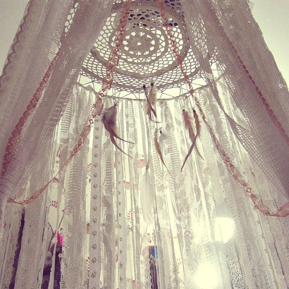 - Made To Order - Boho bed canopy with laces stripes and feathers in natural pastel shades (ivory, white, beige) Handmade of bamboo rods hoop, laces stripes, feathers and crochet doily May be used as baby crib crown, or also as very boho bedroom decor Size: hoop part approx. 18'' laces leght approx. 70'' 100% handmade of organic and eco-conscious materials << Pls, note, sinse its totally handmade and OOAK ur order may look different then it shown on the preview photos...