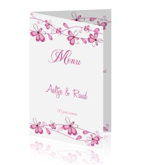 Een menukaart voor de bruiloft, huwelijk of jubileum maken voor op een mooie gedekte feest tafel. kaarten voor een etentje met getekende paarse bloemen.