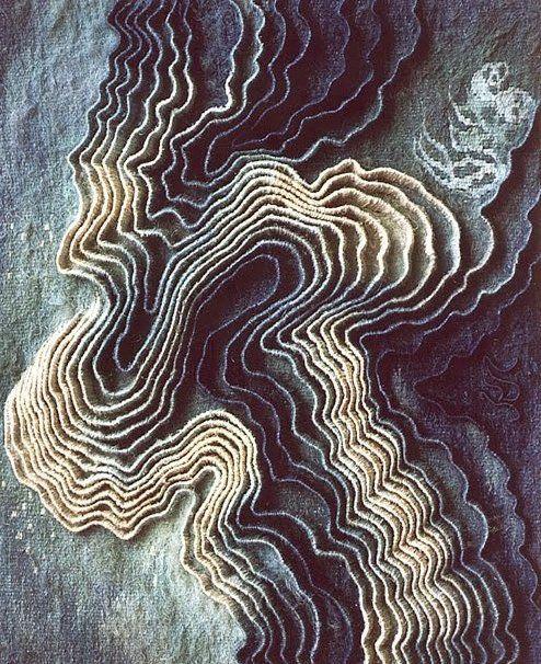 textile : Anna Kubinyi, plis, lignes