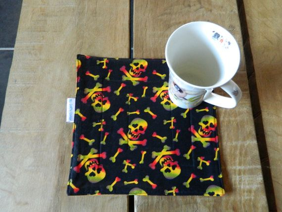 Skulls fabric Mug Rug, Cup cozy, Drinks cosy Coaster, quilted snack mat, table ware quilting gifts, hand made for him, Black skull and bones