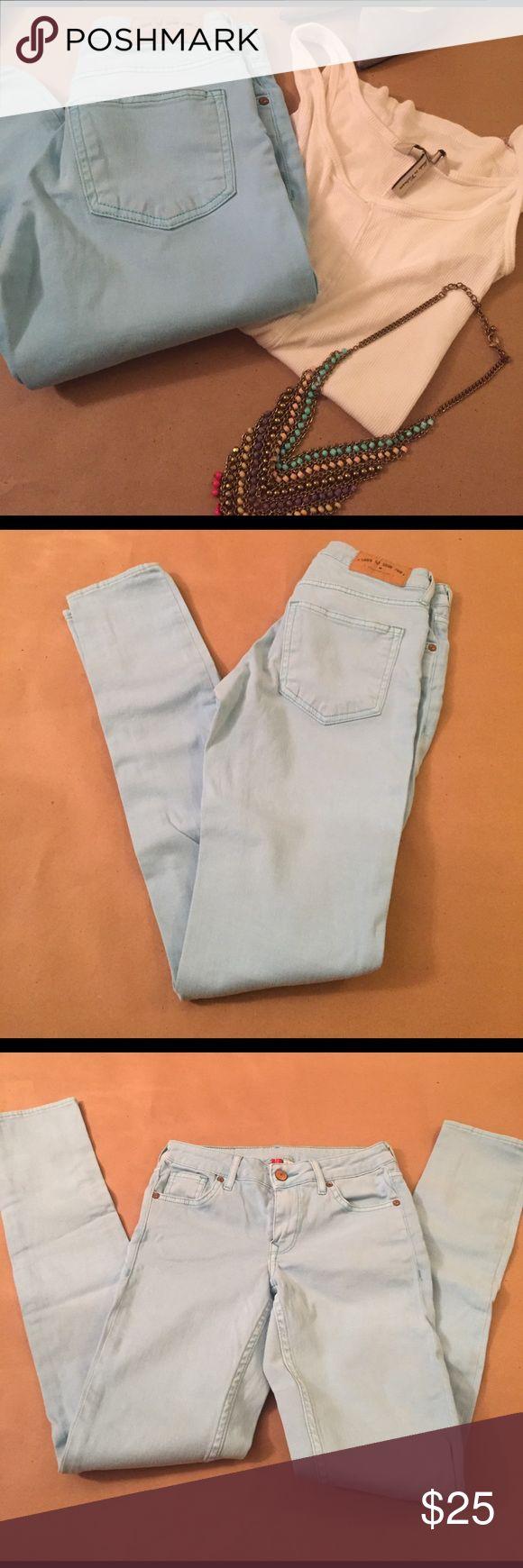 H&M Ready for spring light aqua jeans H&M Ready for spring light aqua jeans 💕 H&M Jeans