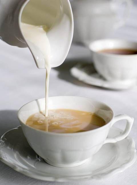AFTERNOON TEA: Ettermiddagsteen kan drikkes i ekte britisk stil for eksempel på The Berkeley Hotel eller Browns Hotel.
