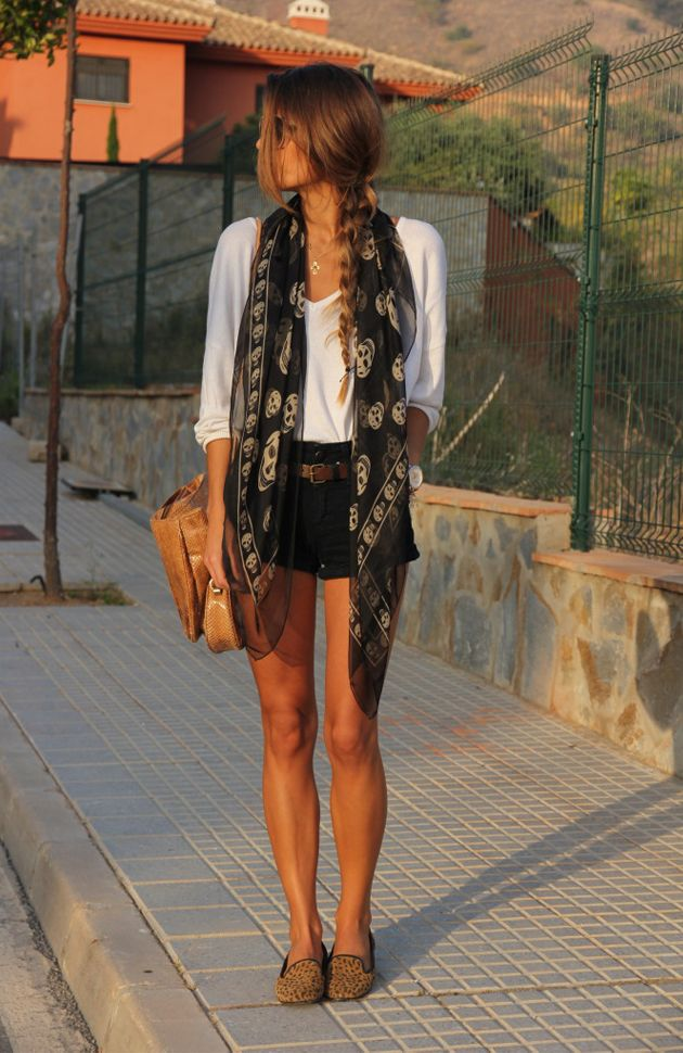 Buenos aires outfit Summer nights - loafers, shorts, light scarf --- i like this :)    (I'd probably wear a different scarf)