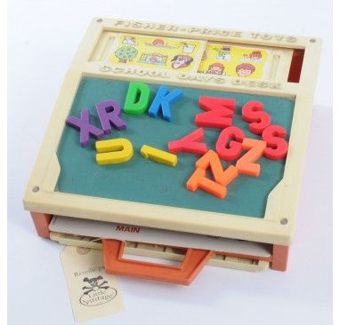 Desk set with magnets and spelling cards