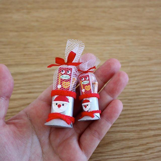 ずっと作りたいと思っていたサンタブーツ!子どもの頃、無理やりはいて壊していました😅懐かしいなあ。 #miniature #miniaturesweets #santaboots #christmas #minne #ミニチュア #ミニチュアスイーツ #サンタブーツ #クリスマス #ミンネ #ミンネで販売予定 #みすみ工房