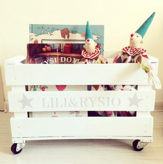 Drewniana skrzynia na kółkach | Tere fere kuku… Wooden crate for kids