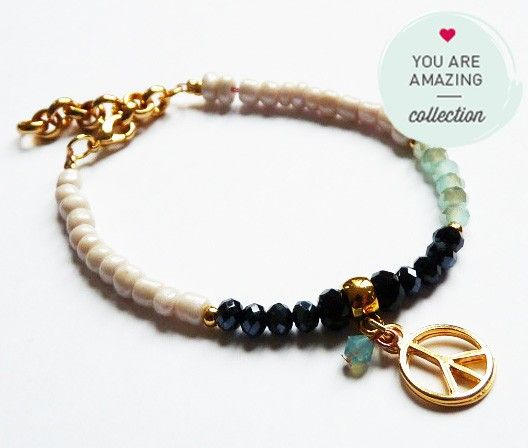 Armband / Bracelet aus der You Are Amazing Kollektion mit Swarovski Steinen und Anhänger, grün, schwarz, gold. Nur bei www.thebungalow.ch