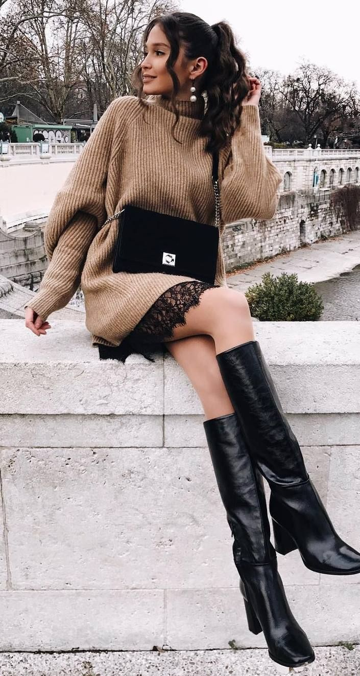 what to wear a pair of black high boots : nude oversized sweater + bag + black skirt