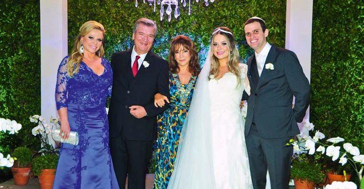 Isabella Lima Passaro se casou com Rodrigo Salzman na capital paulista com presença da mulher e filhas do apresentador Silvio Santos