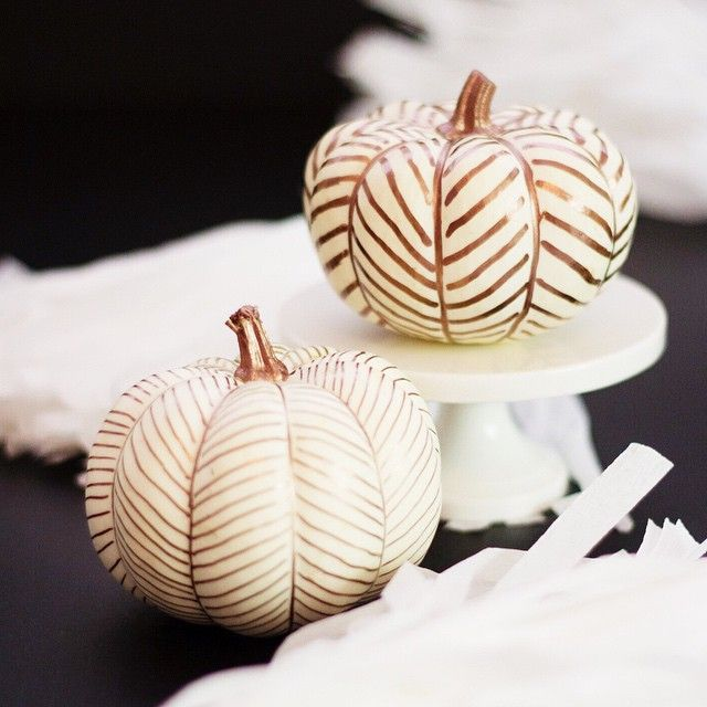 35+ Ways to Decorate Pumpkins Without Carving Metallic Sharpie Utilize metallic markers on a white pumpkin to create a herringbone pattern.
