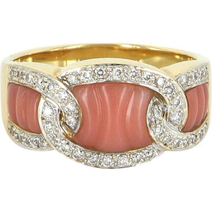 Fluted Coral Diamond Band Ring Vintage 18 Karat Gold Estate Fine Jewelry Pre Owned