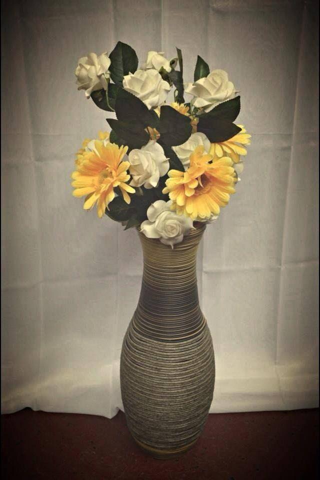 Flori artificiale, dar colorate.