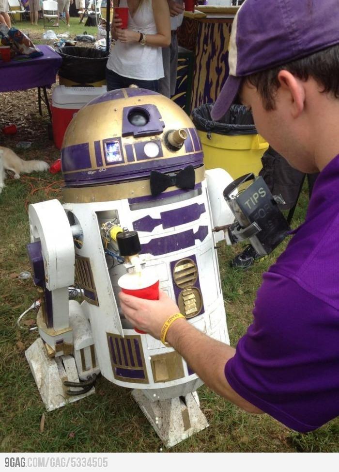 R2 Beer Me!!  Take a look at R2beer2: R2D2Keg, Droid, Man Cave, Beer, Stuff, Star Wars, R2 D2 Keg, R2D2 Keg, Starwars