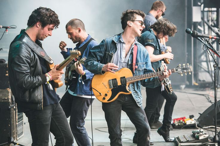 Jamie T joined the Maccabees onstage for their triumphant Other Stage takeover, playing 'Marks To Prove It' with the band. As if that tune couldn't get any better.