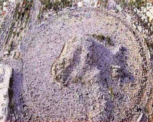 جبل عرفات وقد غطاه الحجاج