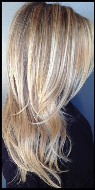 Straight hair blonde with brown lowlights