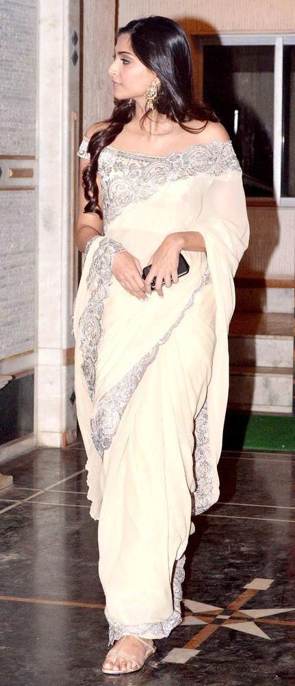Sonam Kapoor at Pammi Bakshi's birthday bash. #Bollywood #Fashion #Style #Beauty