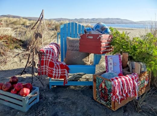 ...a quiet life...: advent day 19~ Have a picnic at the beach