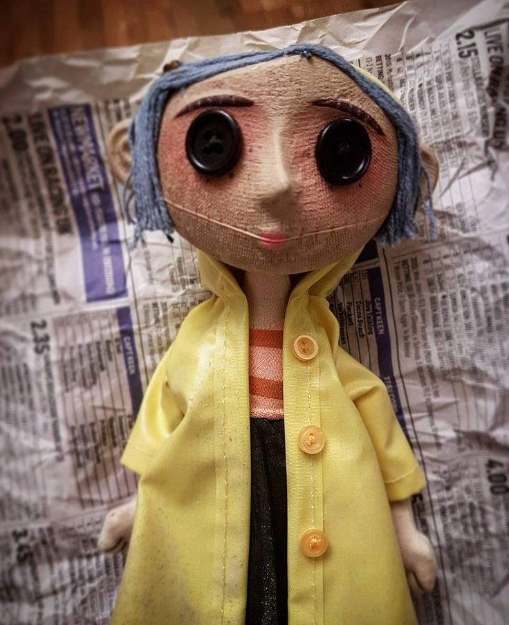 Coraline doll unboxed #Coraline #CoralineDoll #CoralineDollUnboxed #AuthenticMoviePropReplica #PropReplica #LimitedEdition #Enca #EncaToys #Collectibles #DollPhotography #DollPhotoShoot #dollreenactment #StopMotion #CreepyDolls