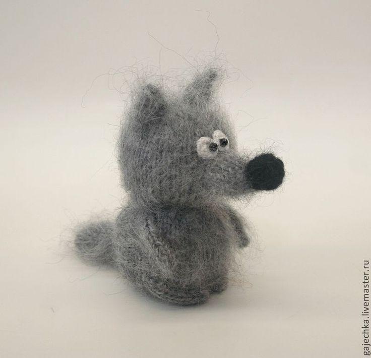 Купить Серый волк. Вязаная игрушка. - темно-серый, серый, волк, Волчок, серый волк