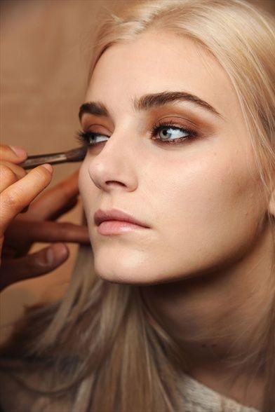 Scorching Brown Smokey Eye Make-up Concepts
