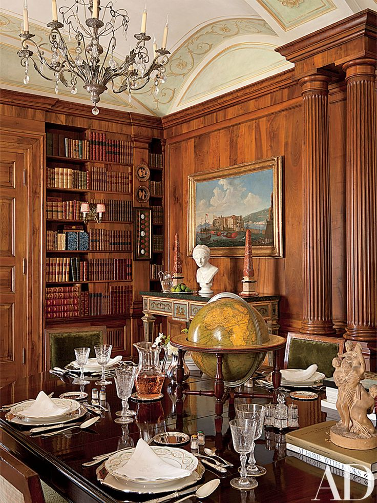 Attractive Look Inside A Luxurious Apartment In Naples With Plenty Of Old World Charm Part 27