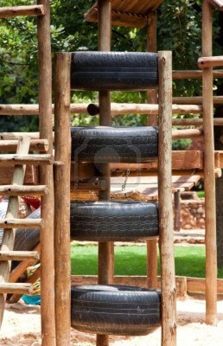 recycle tires into play ground  #recycedtyres #aboutthegarden.com.au Reciclar neumaticos viejos para zonas de juegos de niños en el exterior jardin o parque