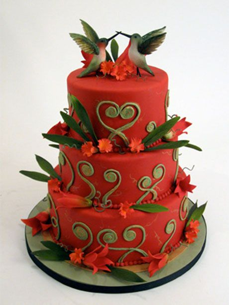 Love this Valentine design with hummingbirds.  Charm City Cakes West has done it again.  Go Duff and gang!