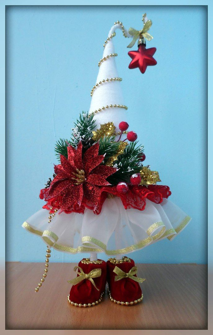 POINSETTIA~CHRISTMAS TREE WITH FEET