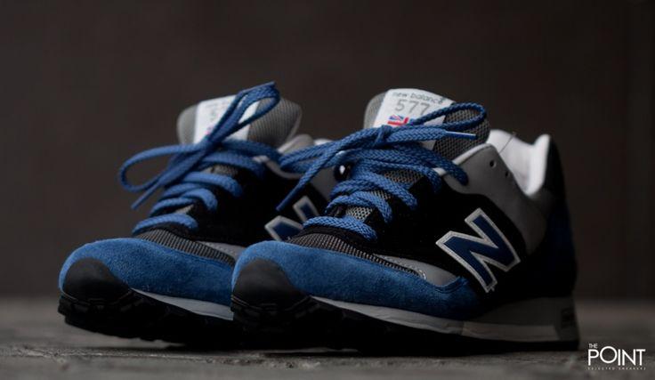 Zapatillas New Balance M577 Smb, el mítico modelo de #zapatillasretrorunning #NewBalanceM577MadeinUK regresa a la #tiendaonlinedezapatillas #ThePoint para esta #colecciónPrimaveraVerano2015 en un nuevo colorway que combina colores en negro y gris con un azul denim muy acertado, visítanos y hazte con tu par de #zapatillasNewBalance, o bien clica aquí http://www.thepoint.es/es/zapatillas-new-balance/940-zapatillas-hombre-new-balance-m577-smb.html