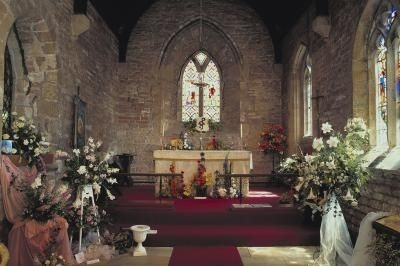 How to Decorate the Catholic Church Altar at Christmas: Catholic Christmas, Christian Altars, Ehow, Altars Decoration, Catholic Churches, Church Altars, Decor Altars, Catholic Faith, Church Decor