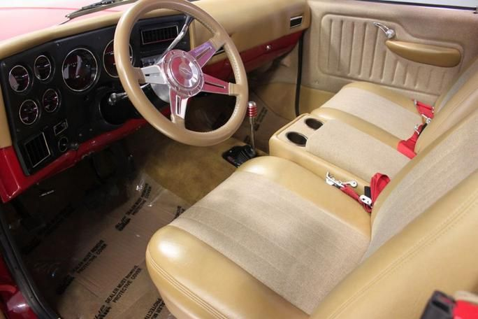 red 39 s front interior bad a chevy k5 blazers pinterest interiors and red. Black Bedroom Furniture Sets. Home Design Ideas