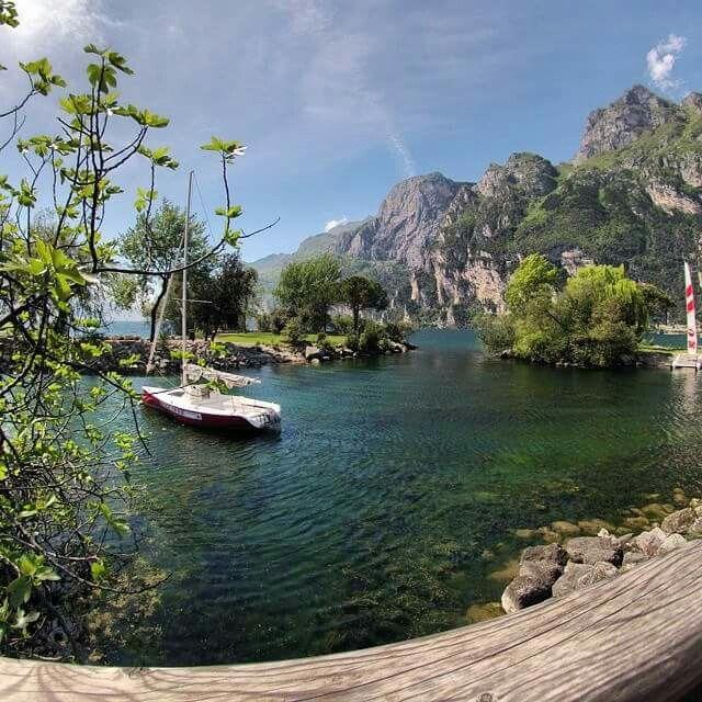 #LagoDiGarda #VisitLagoDiGarda #LakeGarda #VisitLakeGarda #Gardasee #Gardameer #GardaLake #Gardasøen #Italy #Italia #Italien #Italië [foto @giuseppeacca]