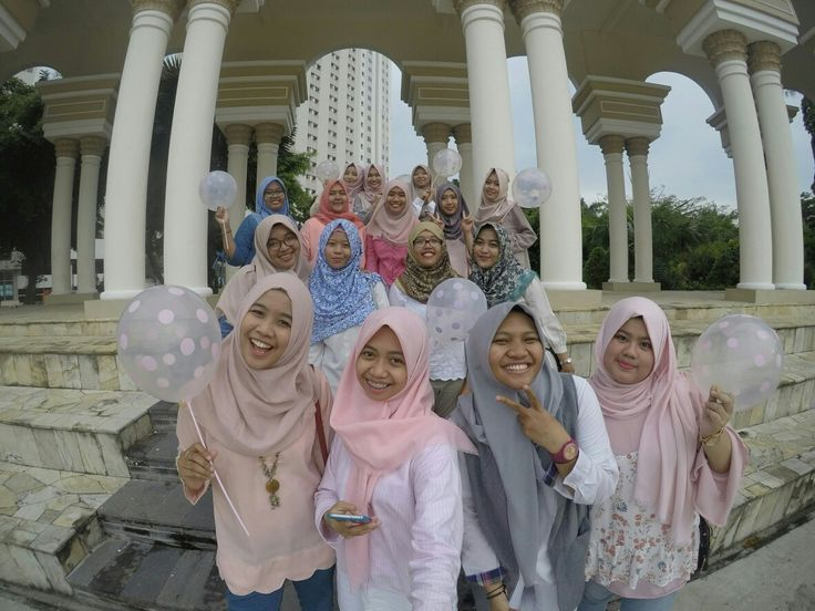 Pastel girls #photogroup #hijabootd #hijab #hijabstyle #girls #friends