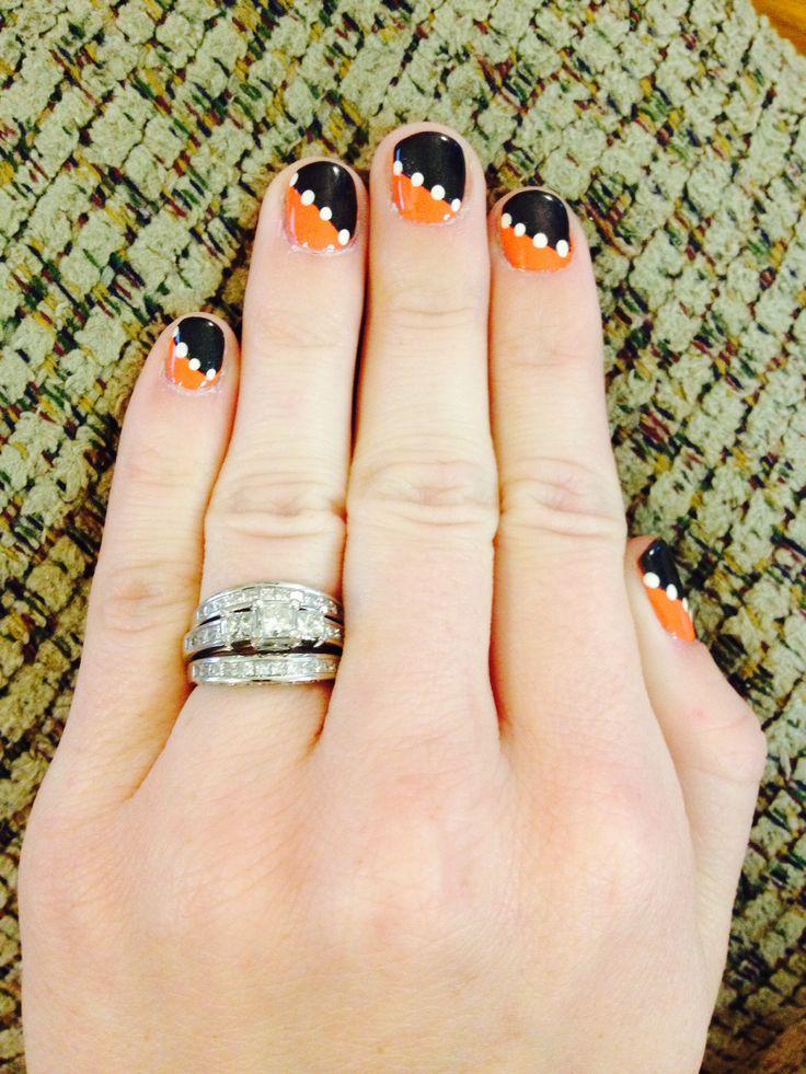 Simple Halloween nails. Orange and black nail art