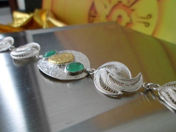 Handmade Emerald and Natural 22k Gold Nugget Indigenous Filigree Bracelet