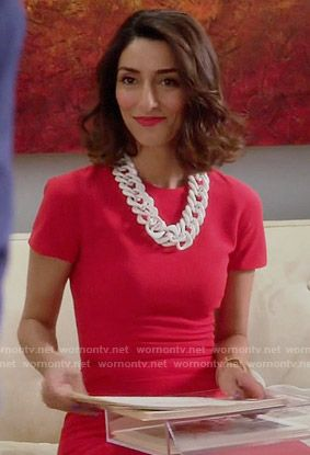 Delia's red short sleeved dress on Girlfriends Guide to Divorce.  Outfit Details: http://wornontv.net/54823/ #GG2D