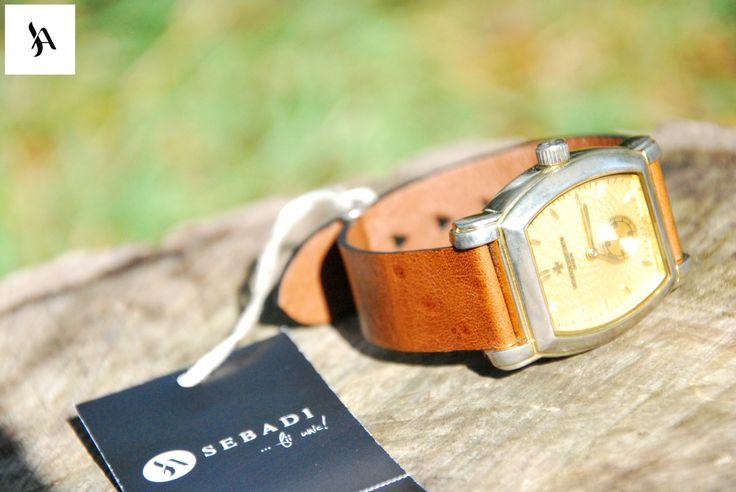 Curea pentru ceas din piele naturala 7 -piele maro -captusit cu piele maro -fara cusatura -finisaf negru pe margini -gauri in forma de triunghi  PRET: 120 lei