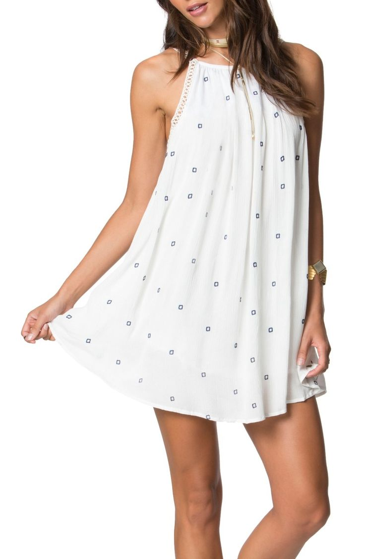 Cut from crinkled gauze with a swingy fit, this flowy dress is a cute option for covering up beachside or hanging at an outdoor café.
