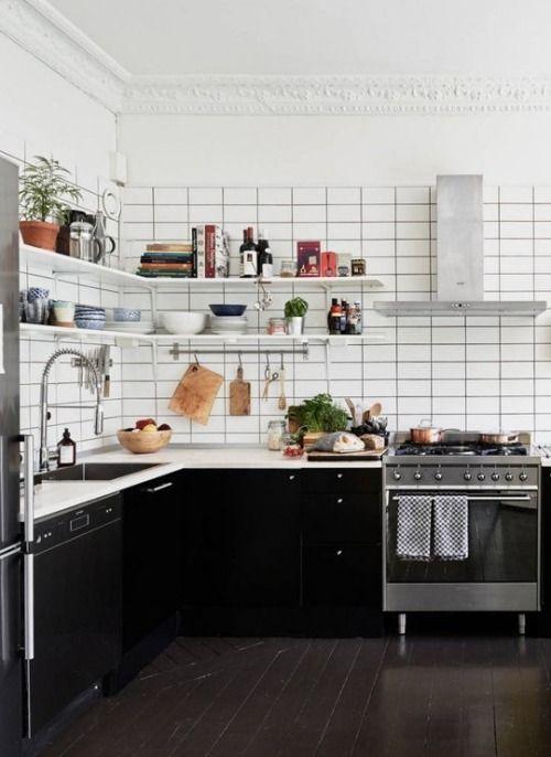 Black and White Kitchen - nice shelves