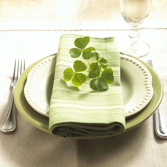 St. Patrick's Day Place SettingCorn Beef, Tables Sets, Clovers, Saint Patricks Day, Stpatricksday, St Patricks Day, Green Wedding, Irish Wedding, Wedding Places Sets